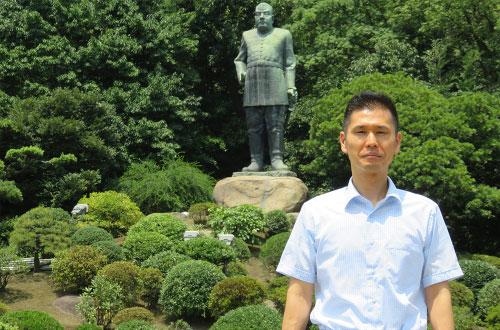 西郷隆盛銅像 身長5.257m・5.7頭身