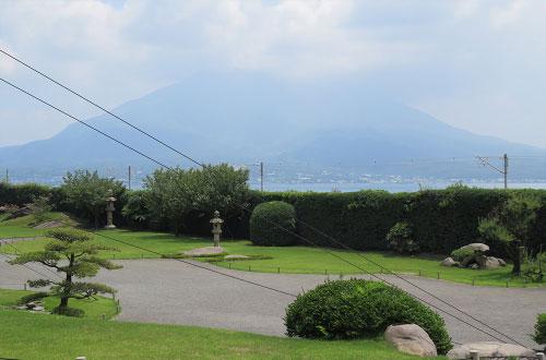 仙巌園から望む「桜島」