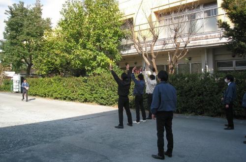 ③バレーボールの練習風景